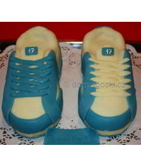 photo sport shoes cake tutorial