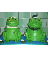 photo   Carved Wedding frogs cake step by step