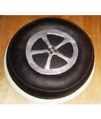photo truck tires cake tutorial