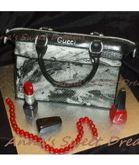 photo  Carved Gucci handbag cake tutorial