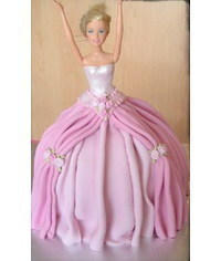 photo Barbie doll cake