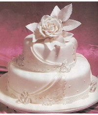 photo Wedding cake with white rose and draps
