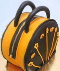 photo  Carved handbag cake tutorial