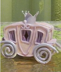 photo how to make Cinderella's Carriage (coach) out of fondant