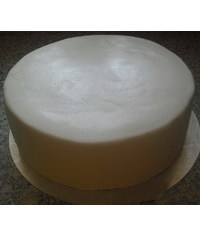 photo Sortirovanie cake and coating it with mastic