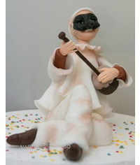 photo  Gum paste Pulcinella (Punch) figurine step by step