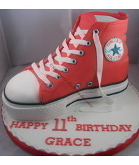 photo Converse Hi Top cake tutorial