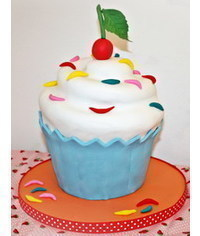 photo  Giant Cupcake cake tutorial