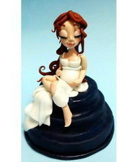 photo  pregnant woman figurine making tutoria