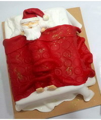 photo Santa in bed cake tutorial