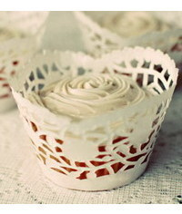 photo   DIY: Cupcake Wrappers Made from Doilies: Free Cupcake Wrapper Template