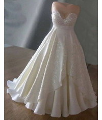 photo  mannequin with a wedding dress cake topper tutorial