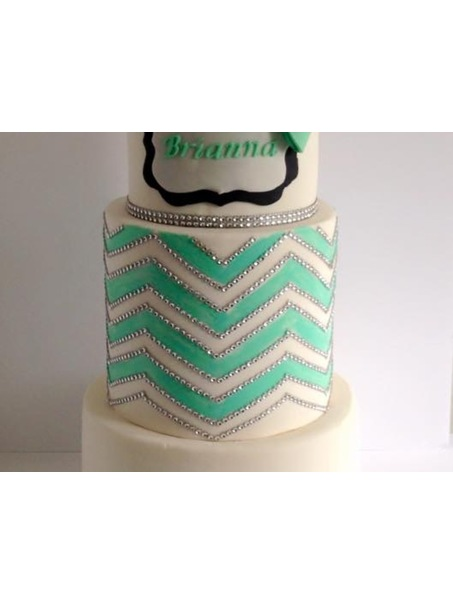 "10"",double barrel 8"", 6"" chevron hand painted, rhinestones not edible. Removed prior to serving"